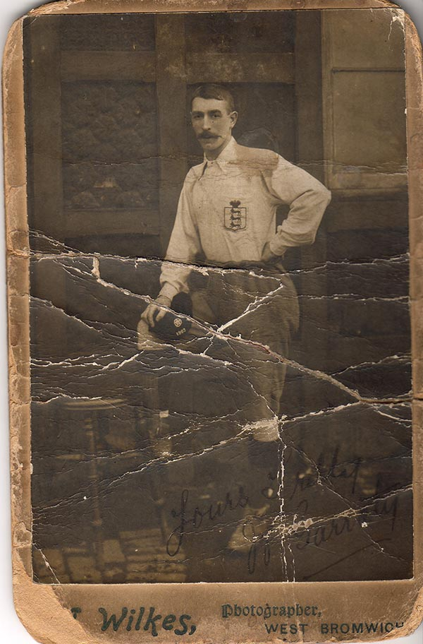 Billy Garraty in England Kit 1903